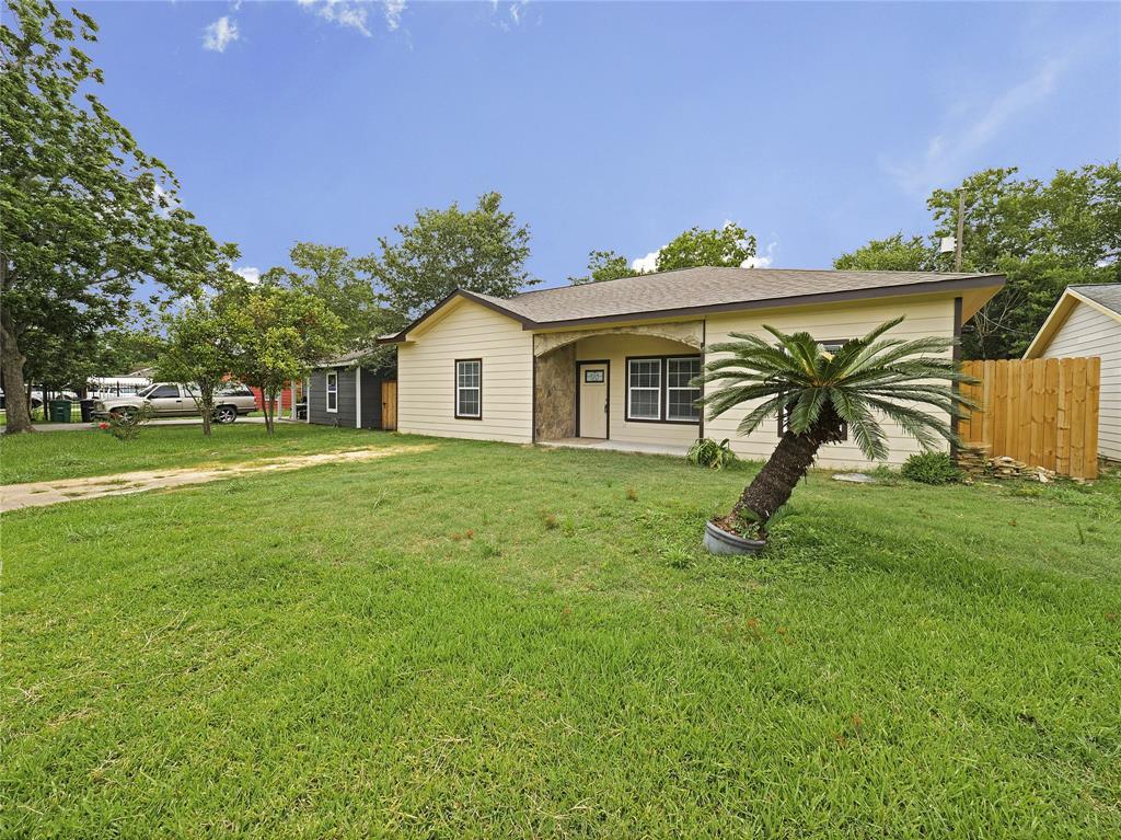 5427 Firefly Avenue Property Photo - Houston, TX real estate listing