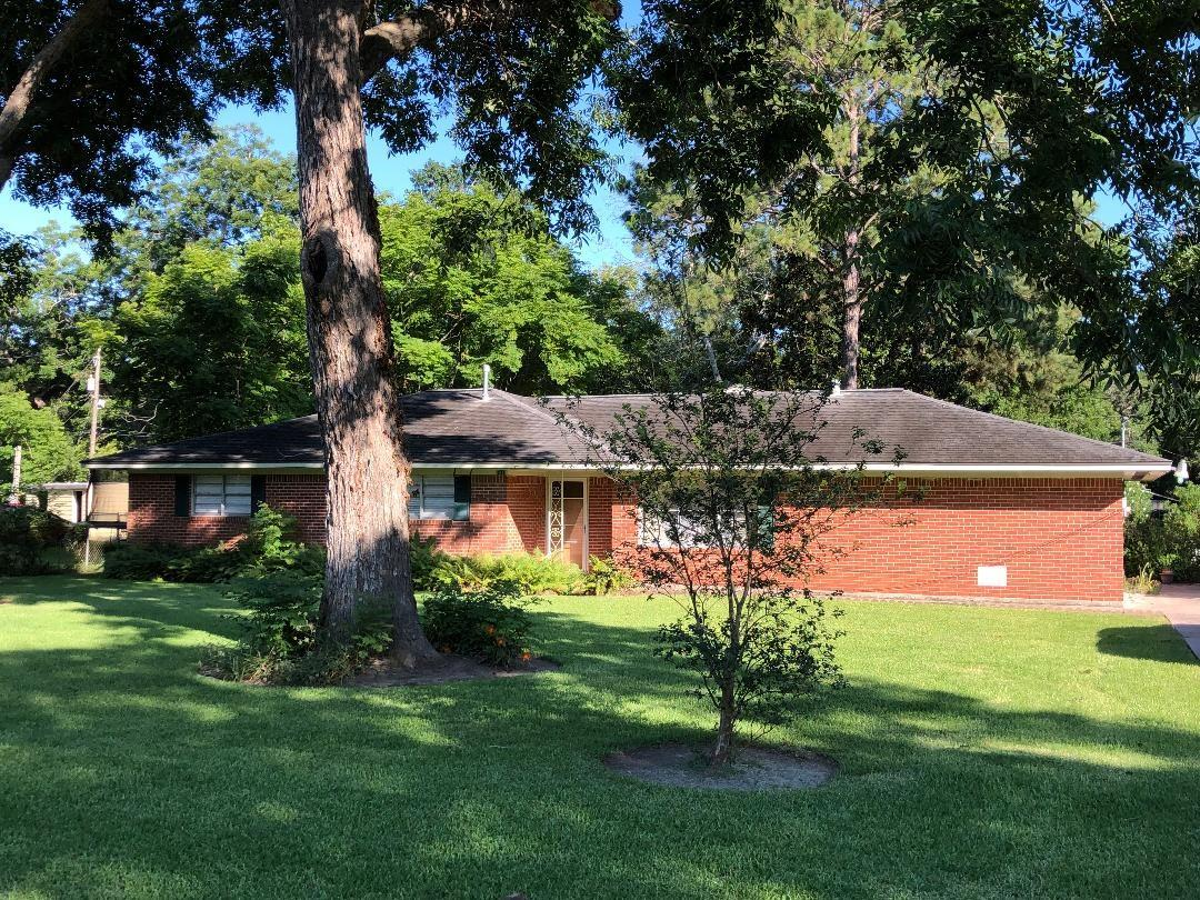 6415 Spencer Lane Property Photo - Jones Creek, TX real estate listing
