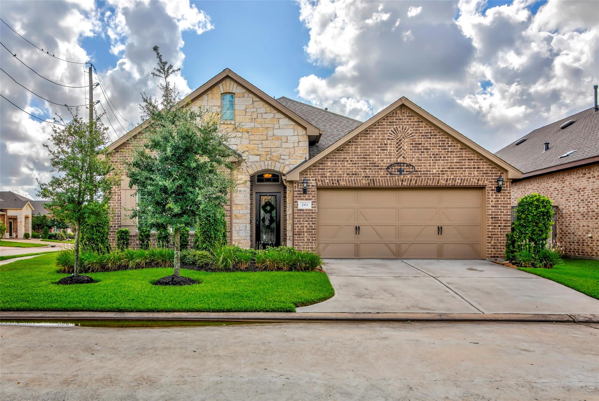 201 Castlegate Lane Property Photo - Jersey Village, TX real estate listing