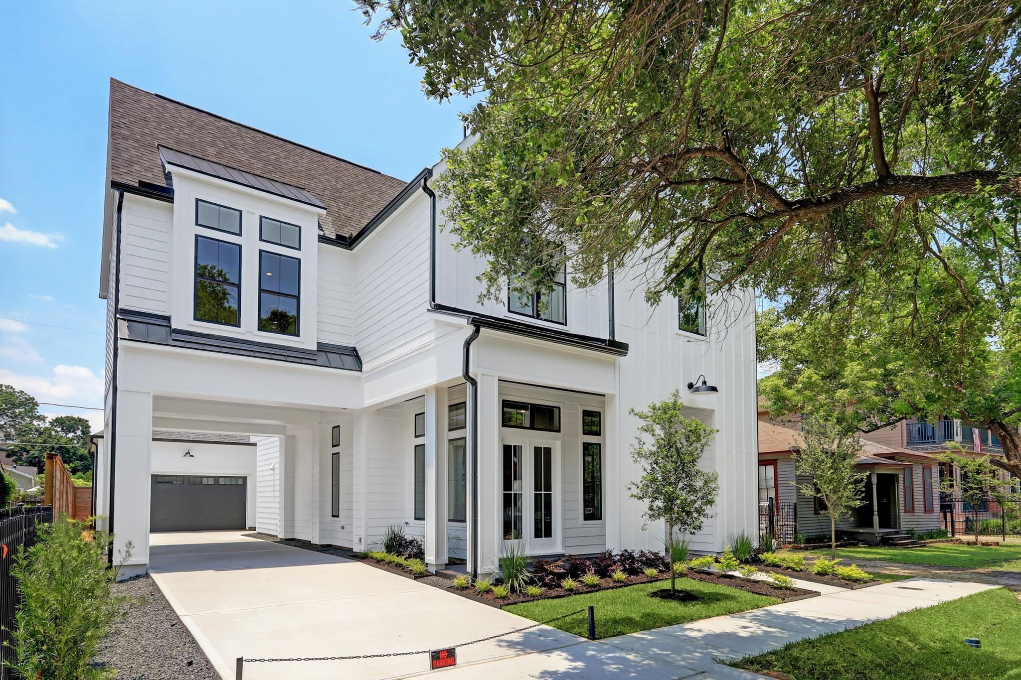 205 Tabor Street Property Photo 1