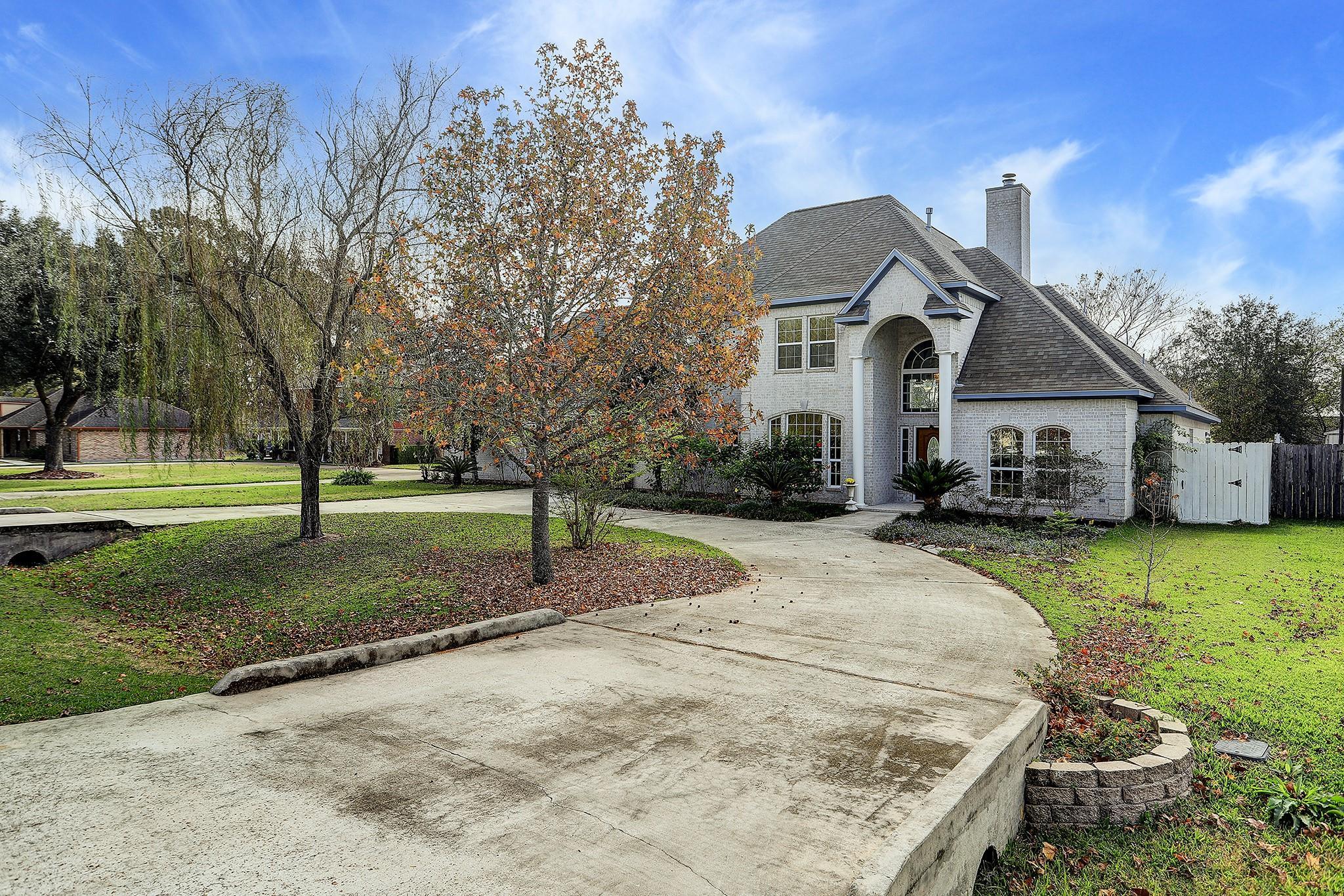11208 Birchwood Drive Property Photo - Humble, TX real estate listing
