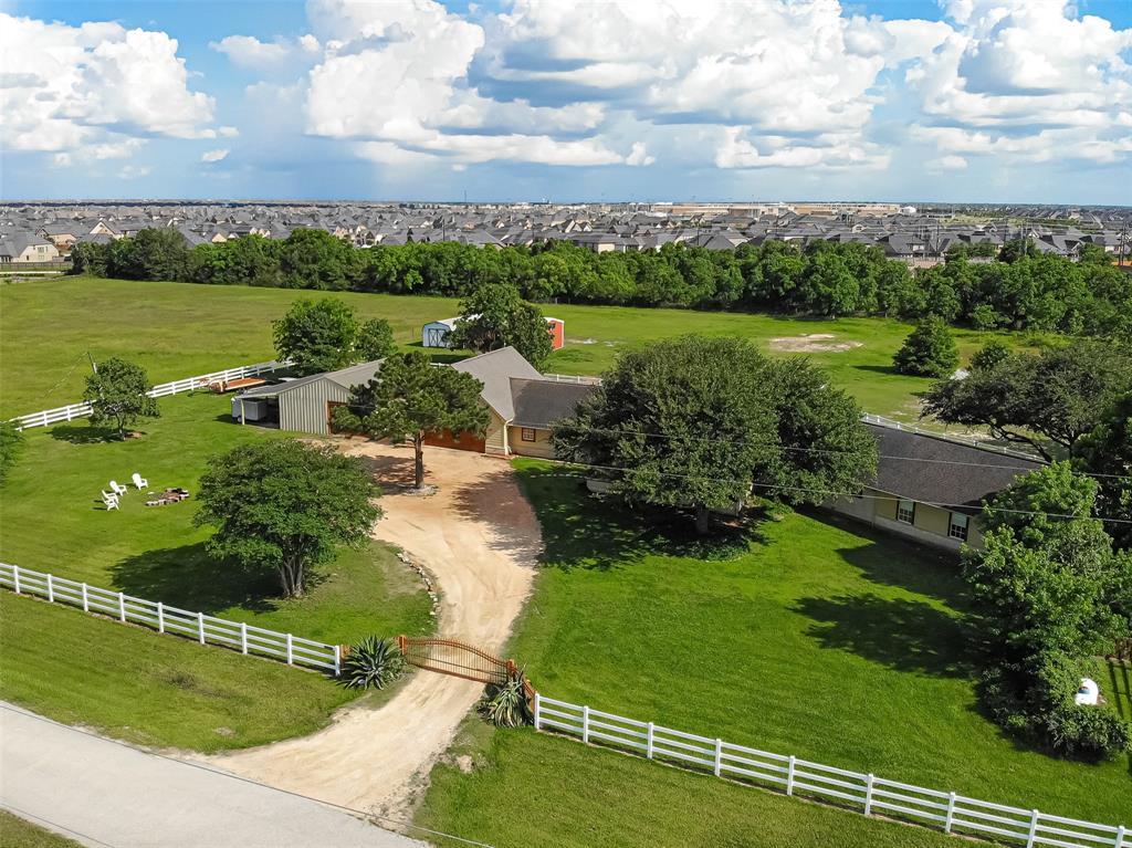 4239 Dewberry Lane Property Photo - Katy, TX real estate listing