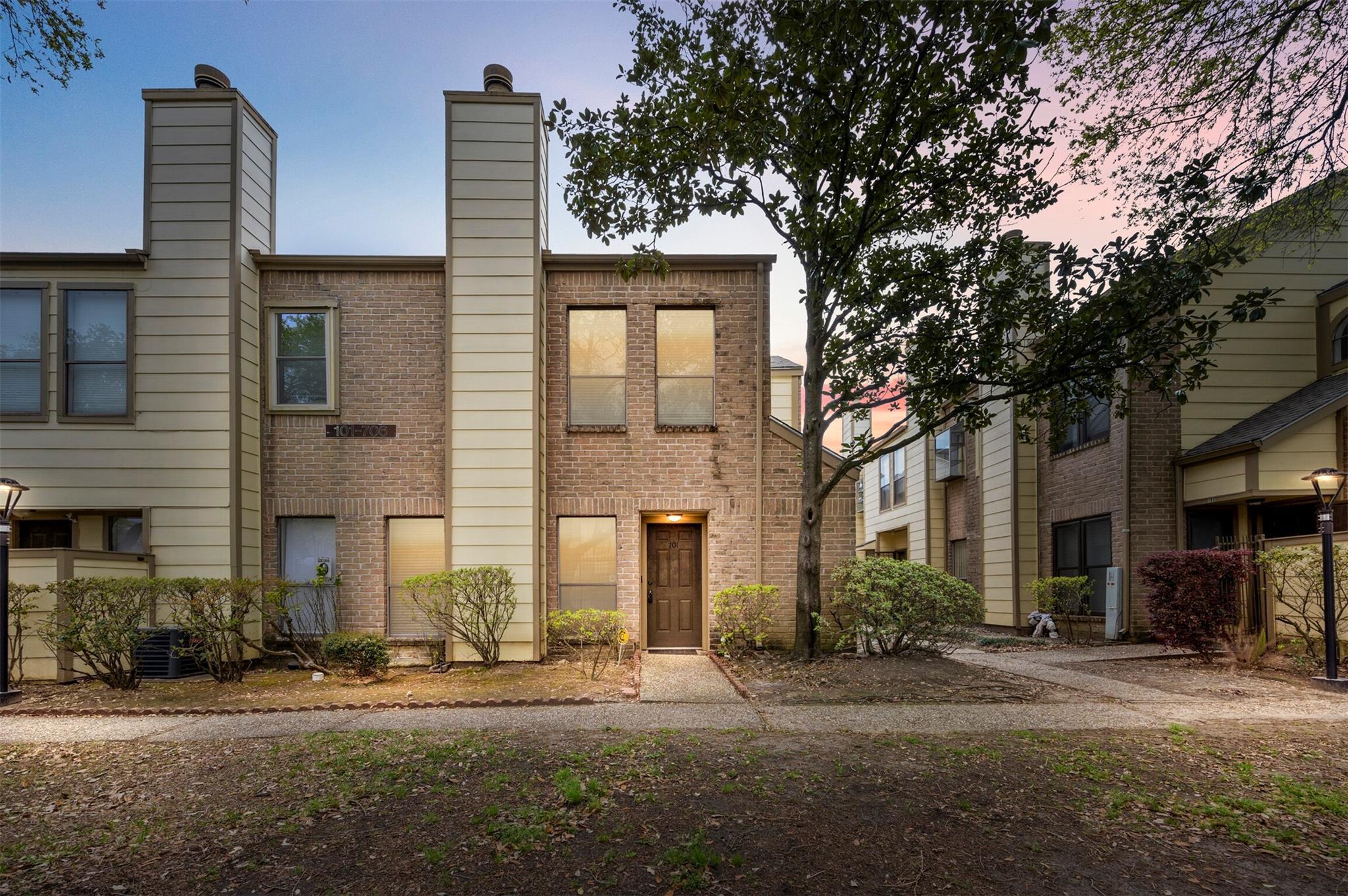 8299 Cambridge Street #701 Property Photo 1