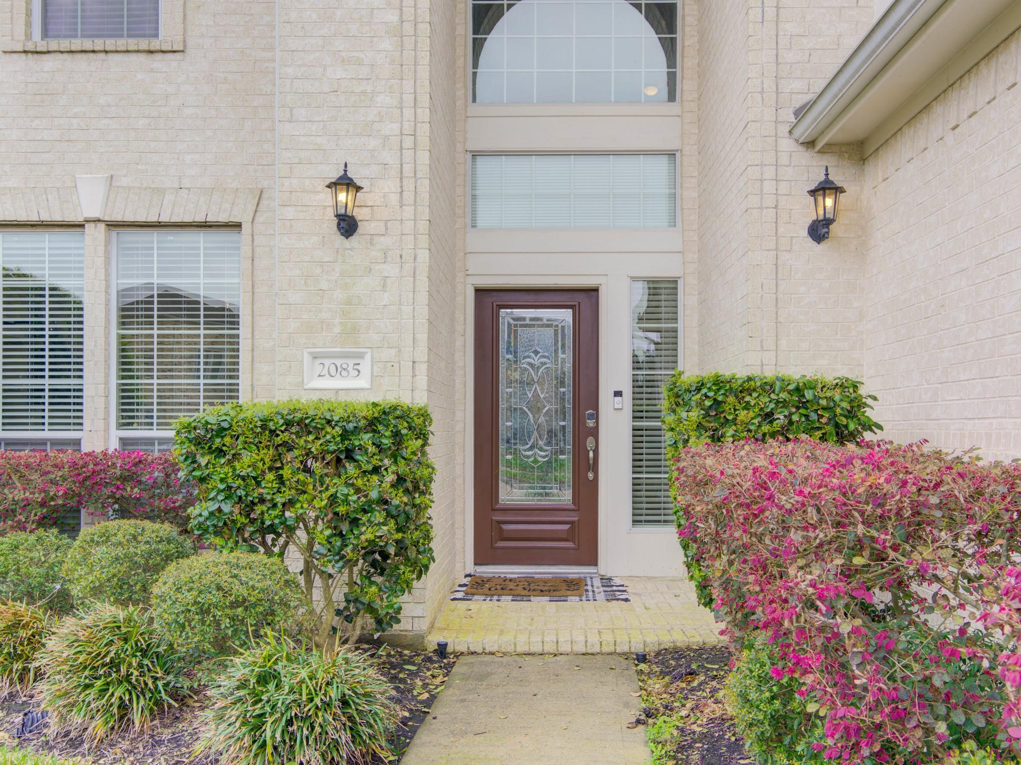 2085 Dillonwood Court Property Photo - Kemah, TX real estate listing