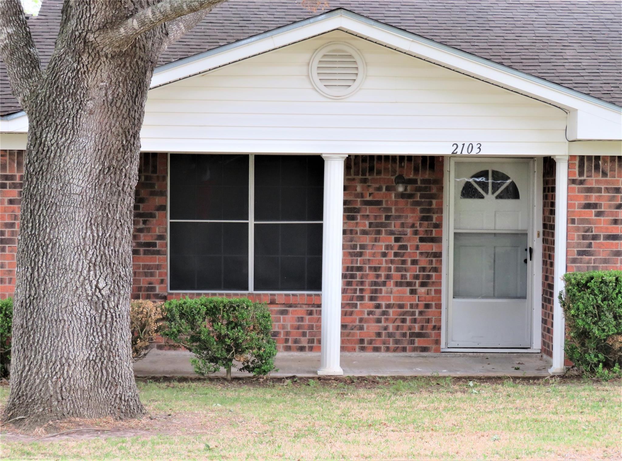 2103 Holly Street Property Photo - East Bernard, TX real estate listing