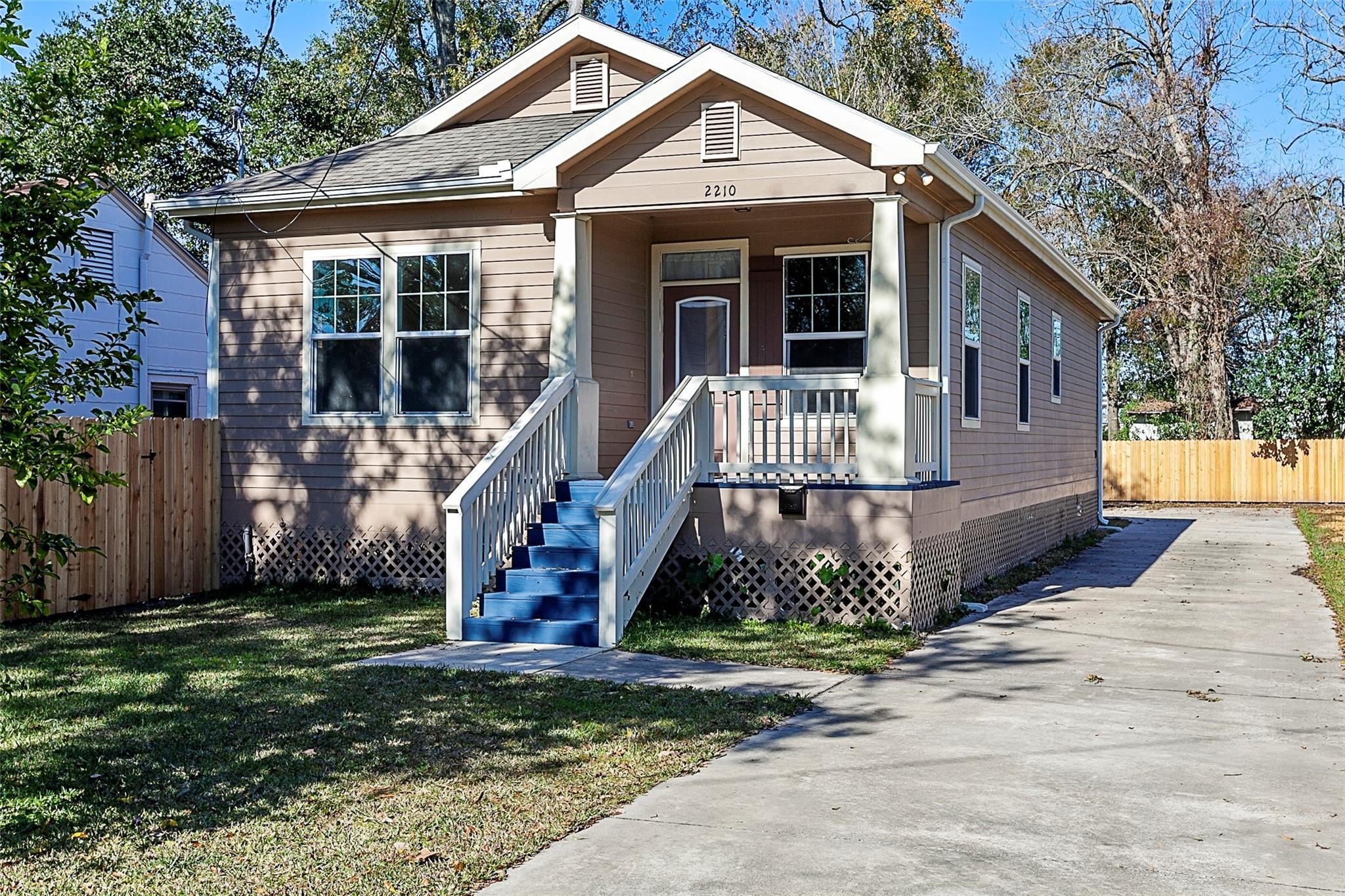 2210 Evalon Street Property Photo
