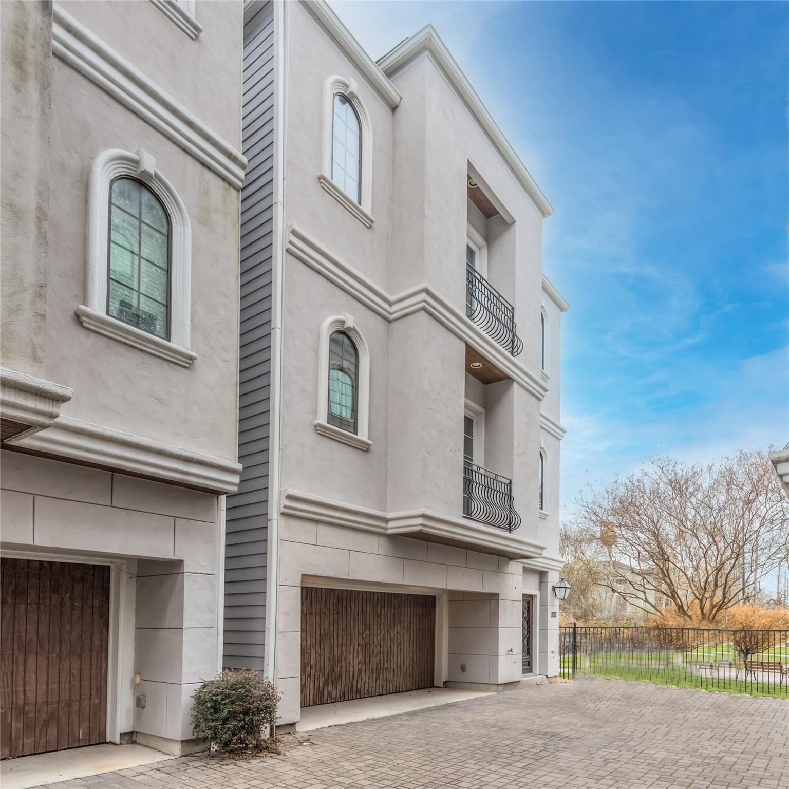 Affinium Homeslillian Real Estate Listings Main Image