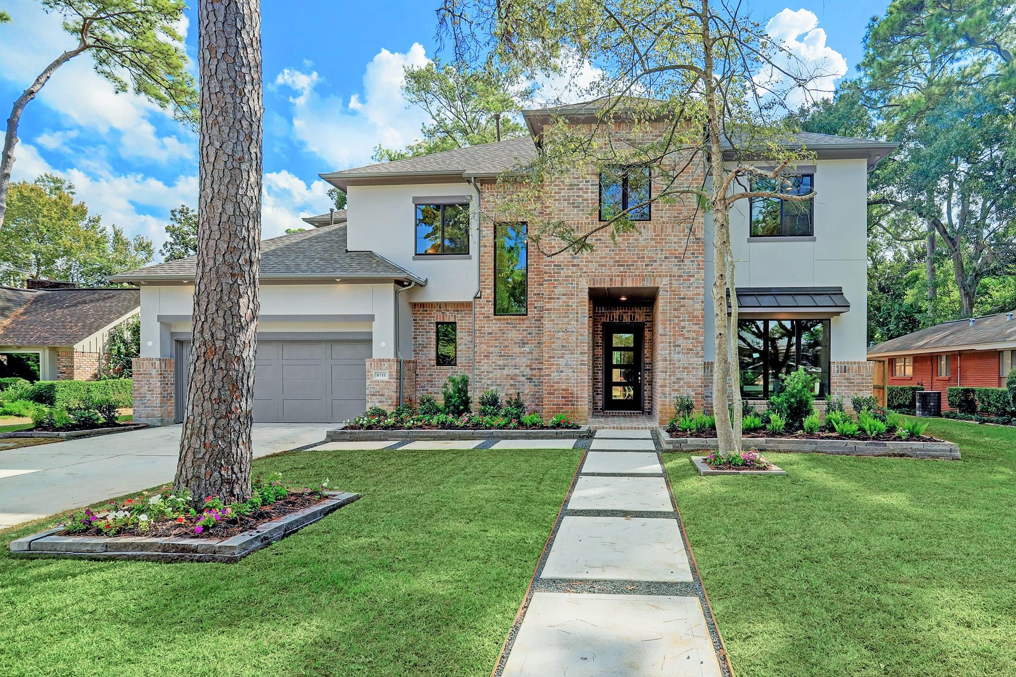 8711 Winningham Lane Property Photo - Spring Valley Village, TX real estate listing