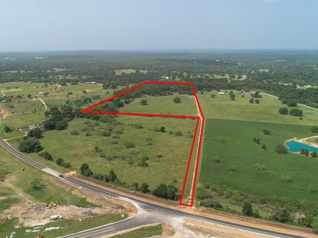 1558 SH 304 Property Photo - Smithville, TX real estate listing