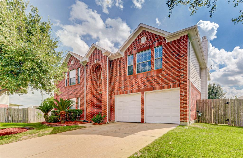 13703 Sunmount Pines Drive Property Photo - Houston, TX real estate listing
