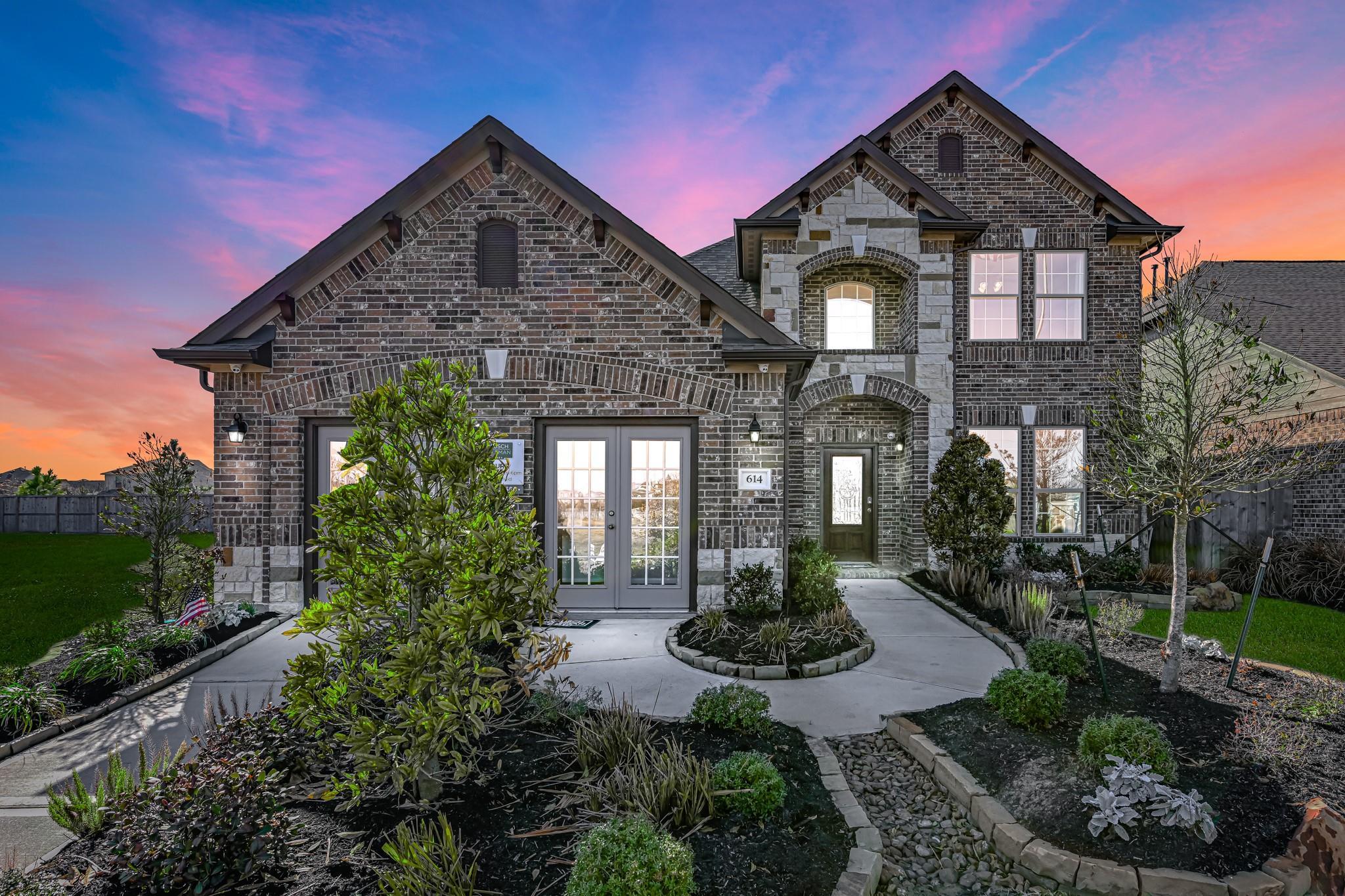 614 Forest Bend Lane Property Photo - La Marque, TX real estate listing