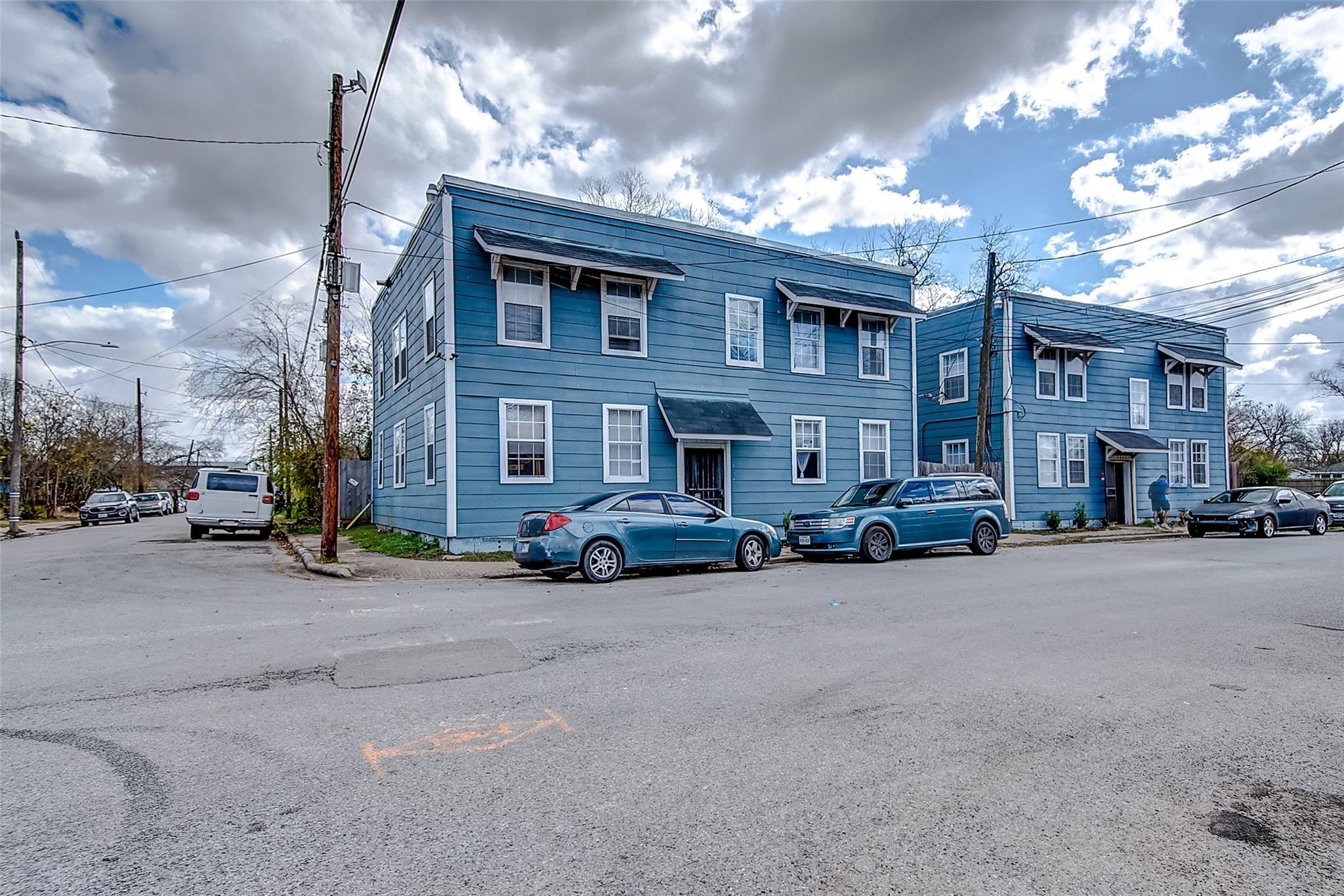 2401 Sampson Street #8 Property Photo 1
