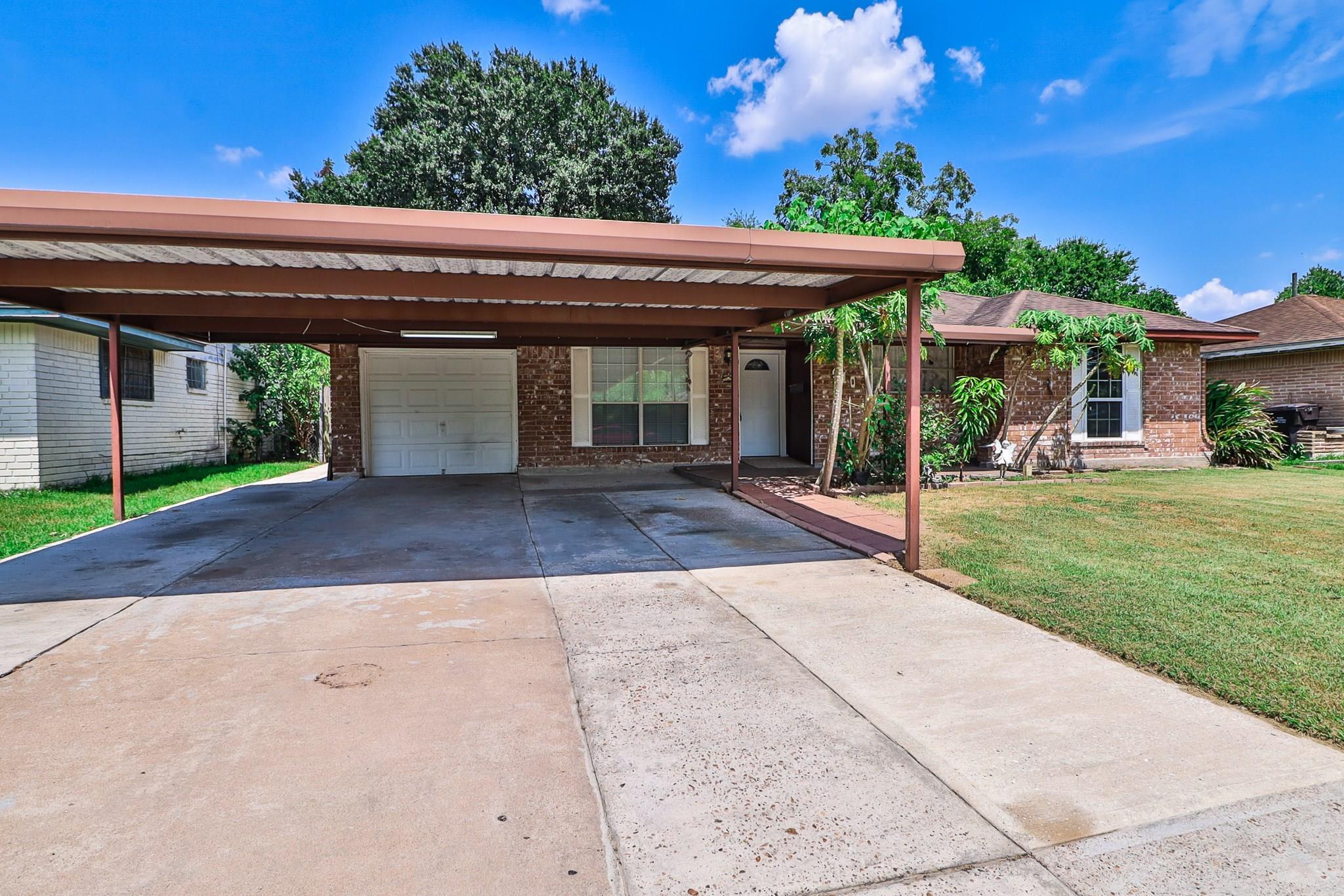 410 Beaver Bend Road Property Photo - Houston, TX real estate listing