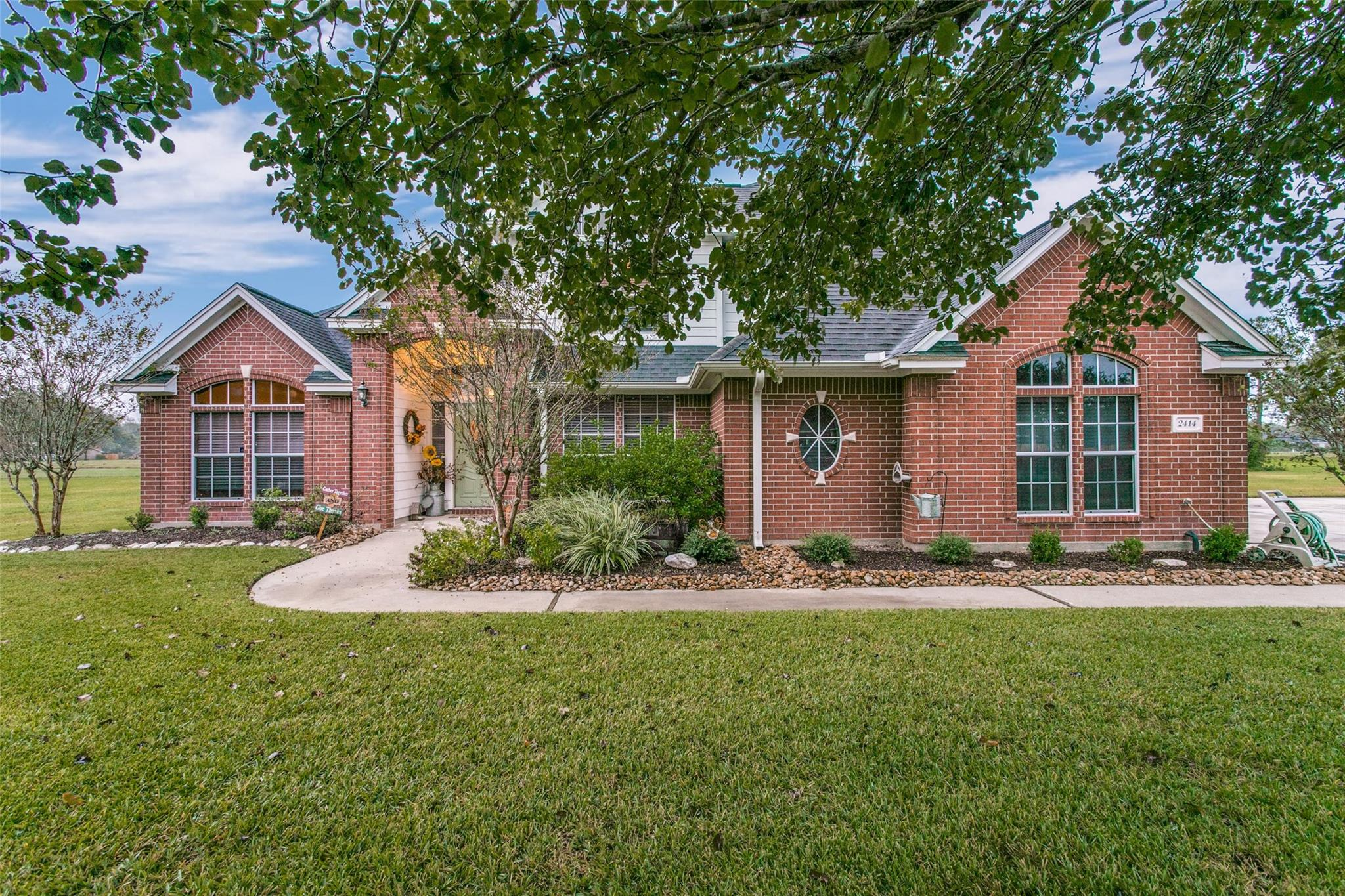 2414 Turberry Drive Property Photo - West Columbia, TX real estate listing