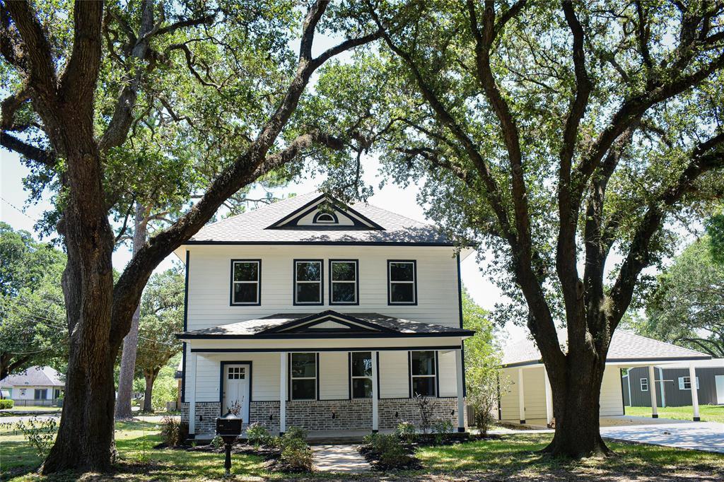 305 Pietzsch Street Property Photo - East Bernard, TX real estate listing
