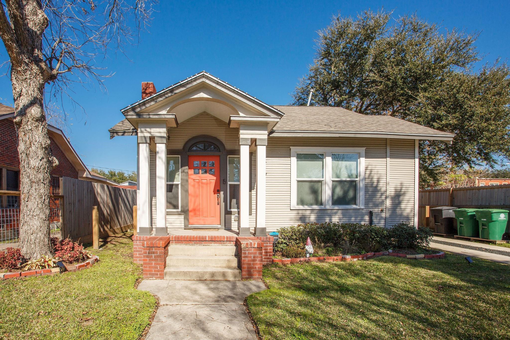 4217 Clay Street Property Photo - Houston, TX real estate listing