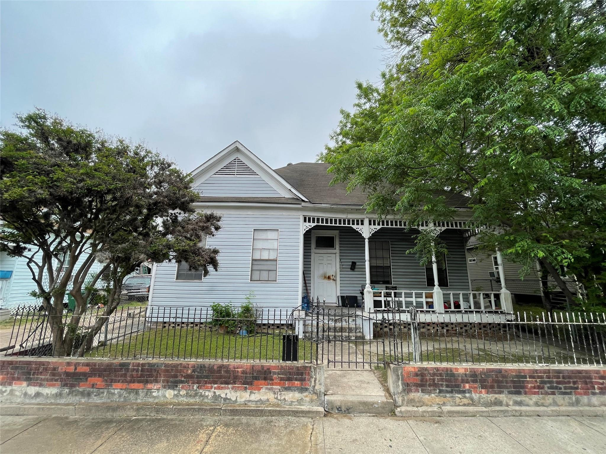 417 Hogan Street Property Photo