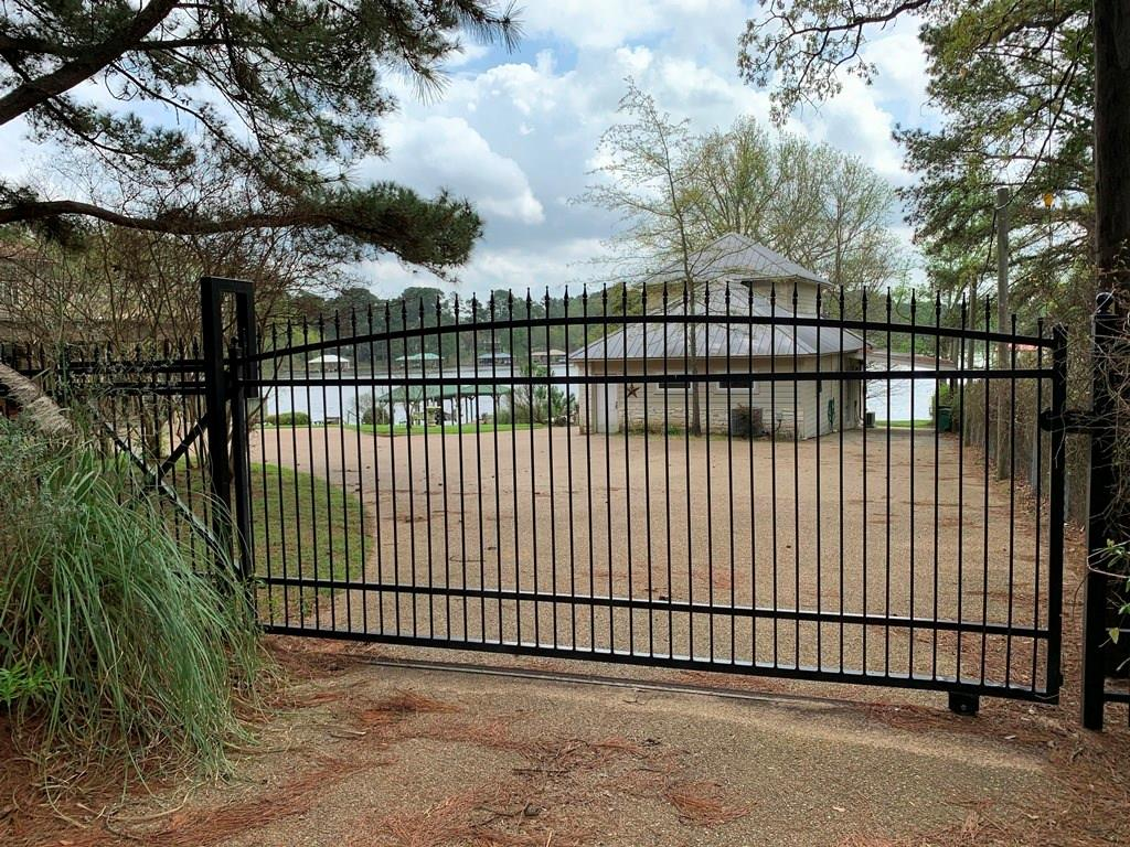 23184 Edgewater Drive Property Photo - Berryville, TX real estate listing