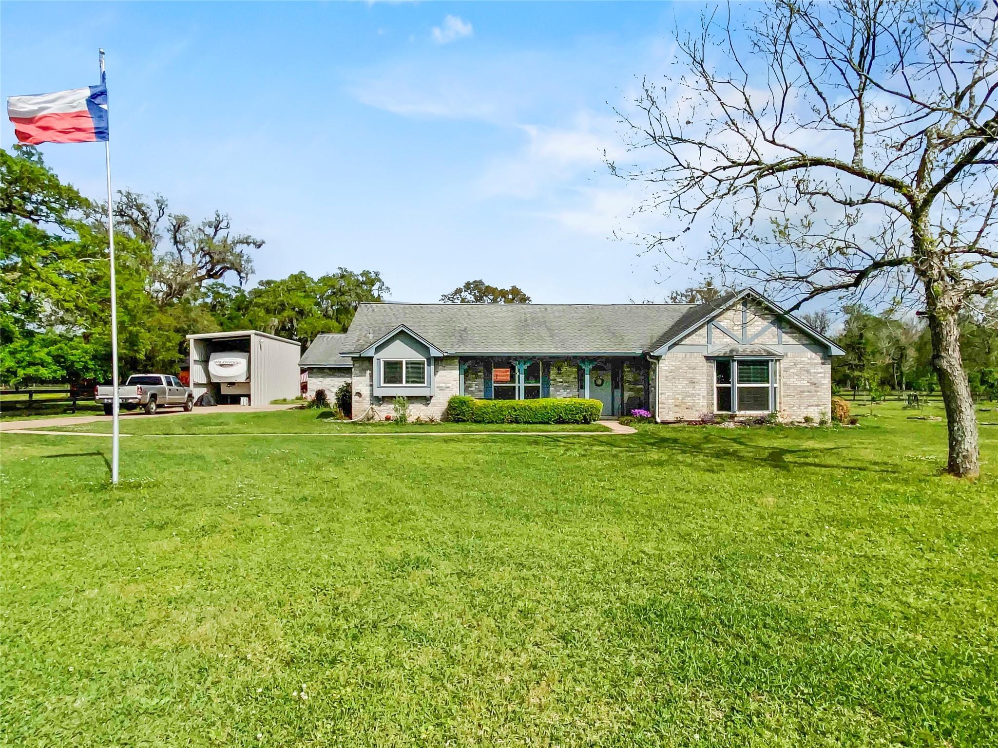 3526 County Road 344 Property Photo - Brazoria, TX real estate listing