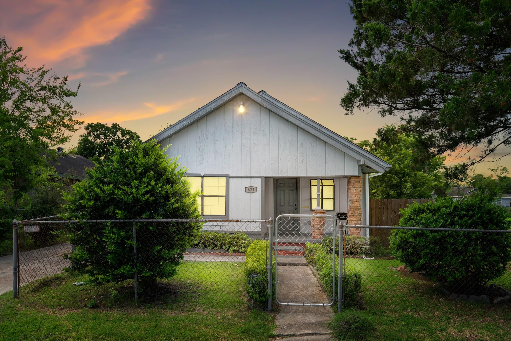 821 12th Street Property Photo - Port Arthur, TX real estate listing
