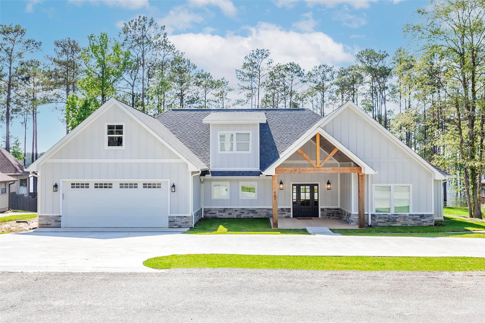 445 Landsend Drive Property Photo