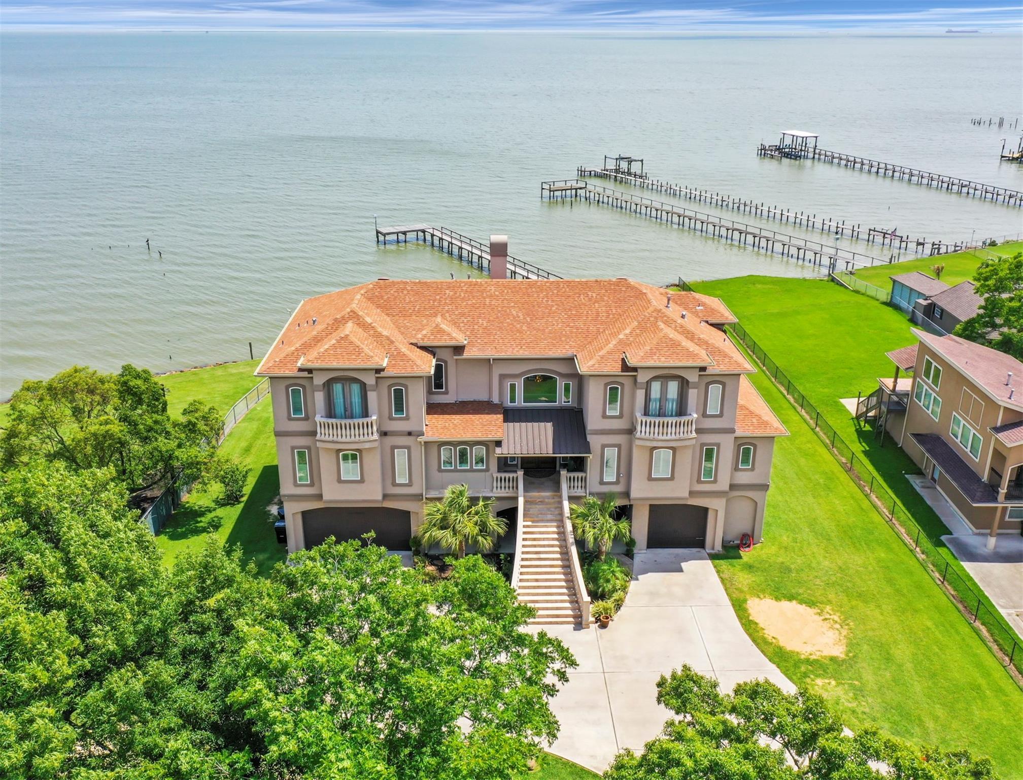 77518 Real Estate Listings Main Image