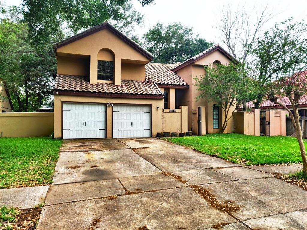 12102 Mulholland Drive Property Photo - Meadows Place, TX real estate listing