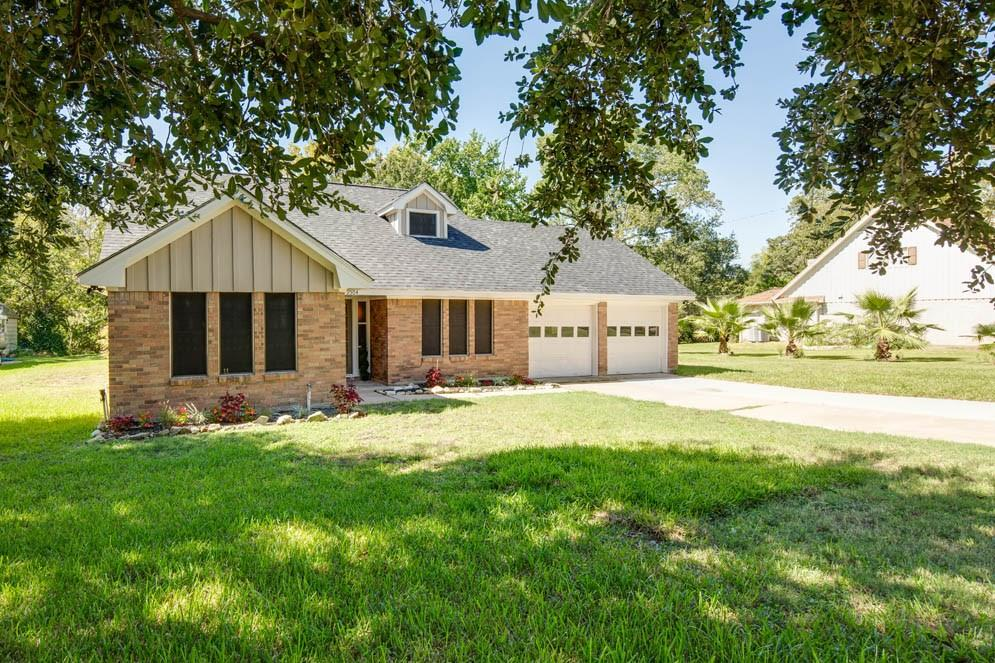 2504 Willow Bend Drive, Bryan, TX 77802 - Bryan, TX real estate listing