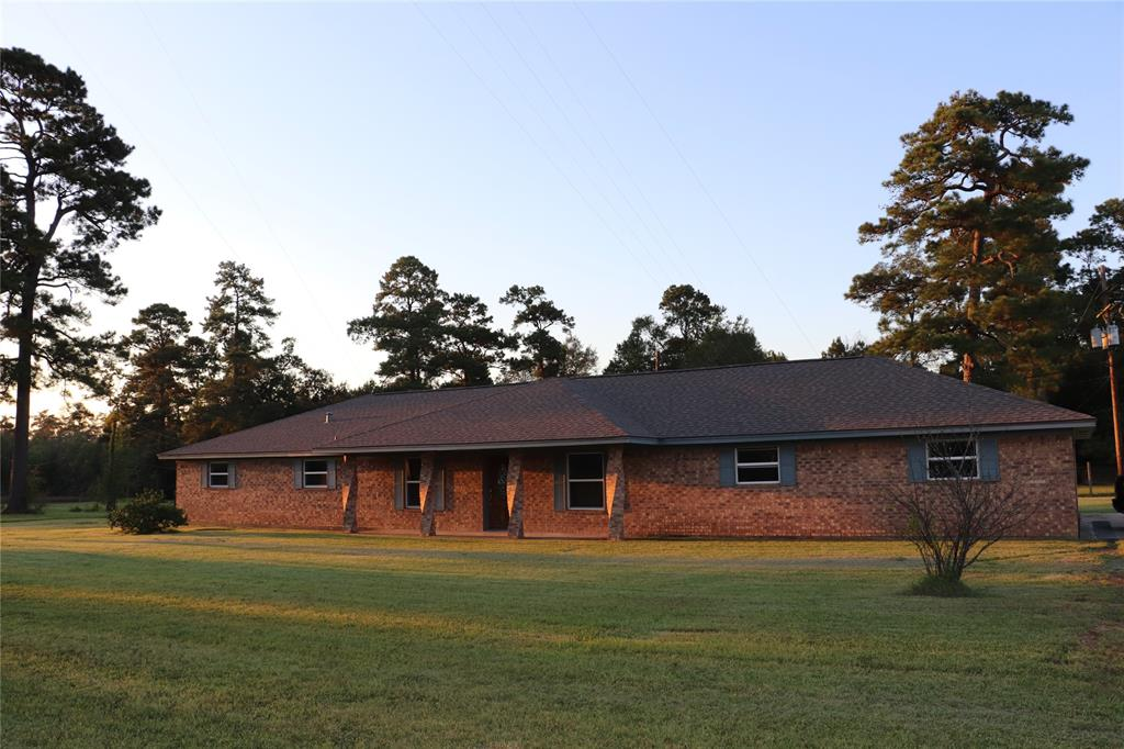 1100 Old Spanish Trail Property Photo - Vidor, TX real estate listing