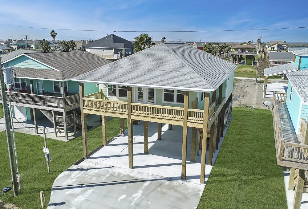 2109 2nd Property Photo - Crystal Beach, TX real estate listing