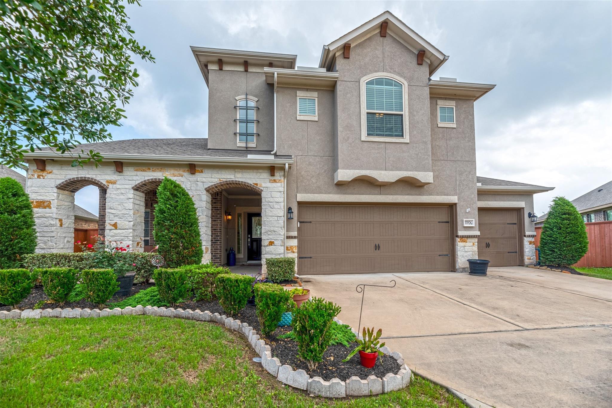Aliana Sec 32 Real Estate Listings Main Image