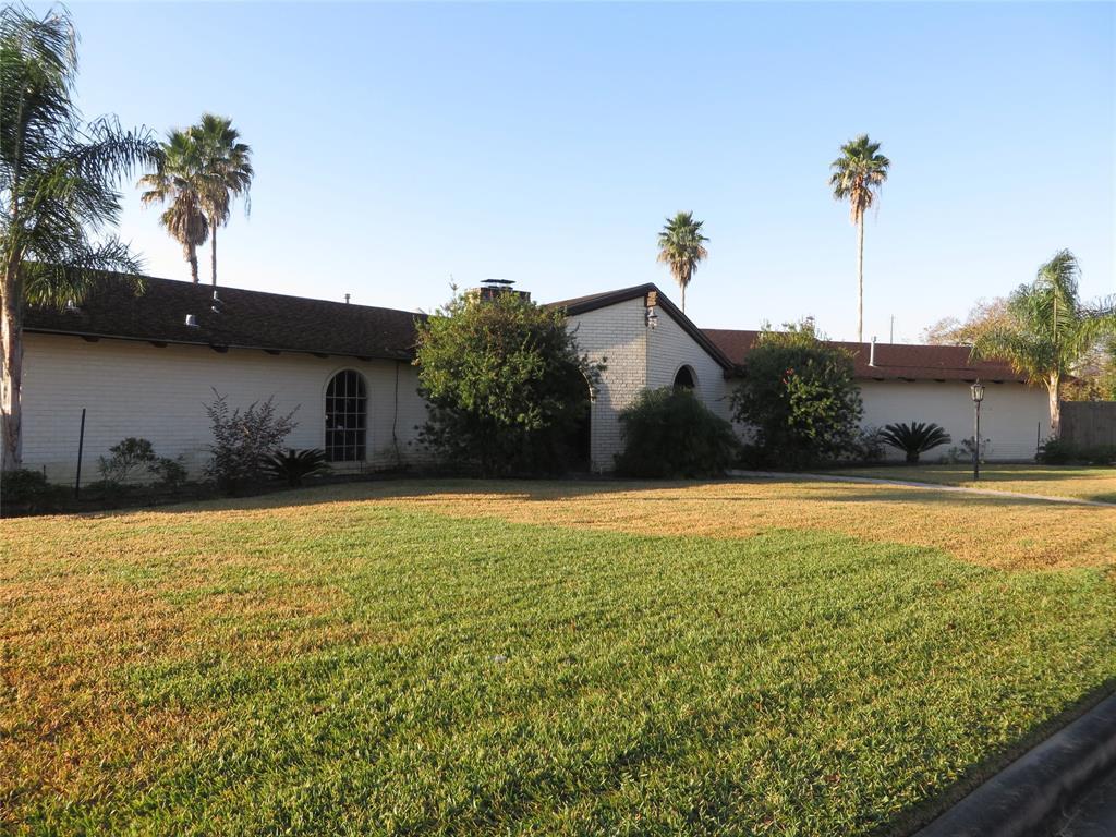 1302 Antigua Lane, Nassau Bay, TX 77058 - Nassau Bay, TX real estate listing