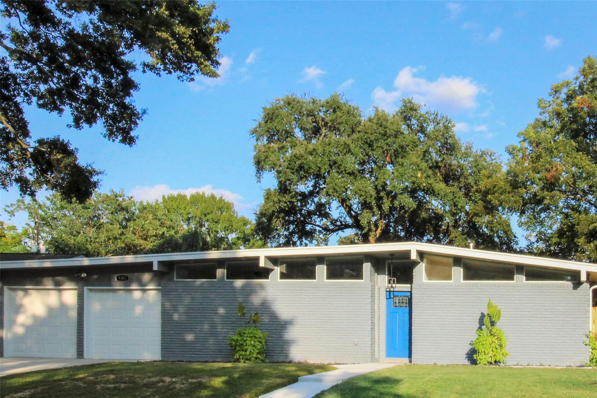 9303 Bintliff Drive Property Photo - Houston, TX real estate listing