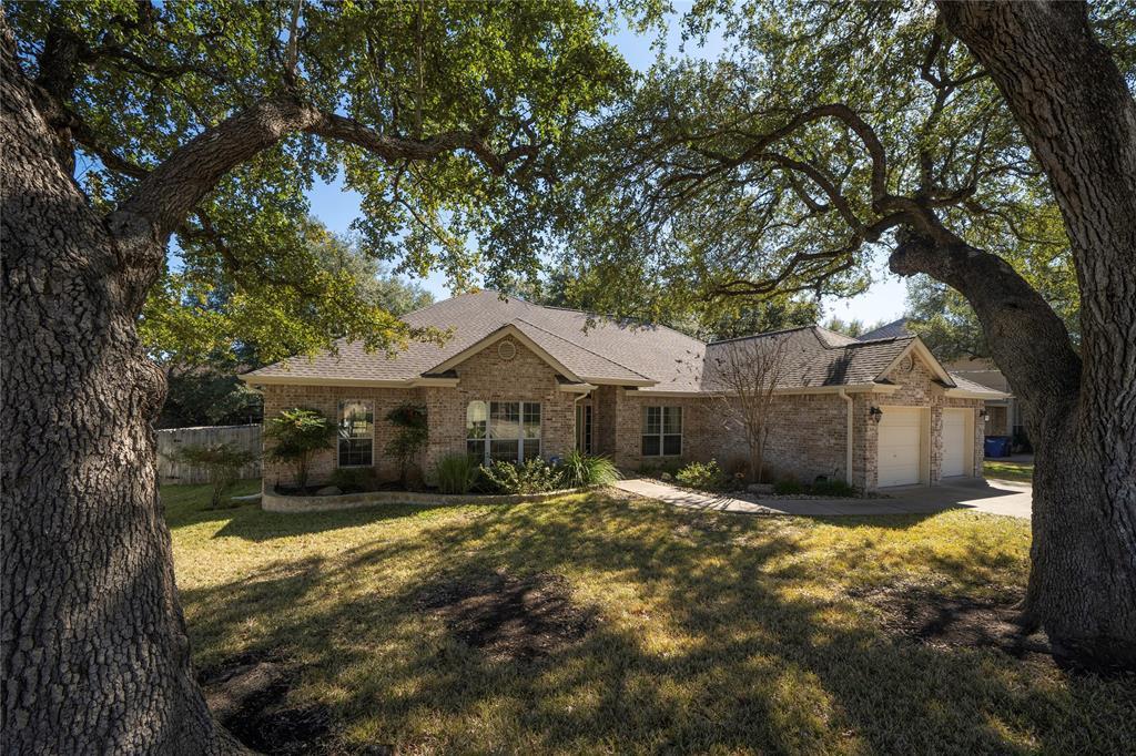 308 Elmwood Drive, New Braunfels, TX 78130 - New Braunfels, TX real estate listing