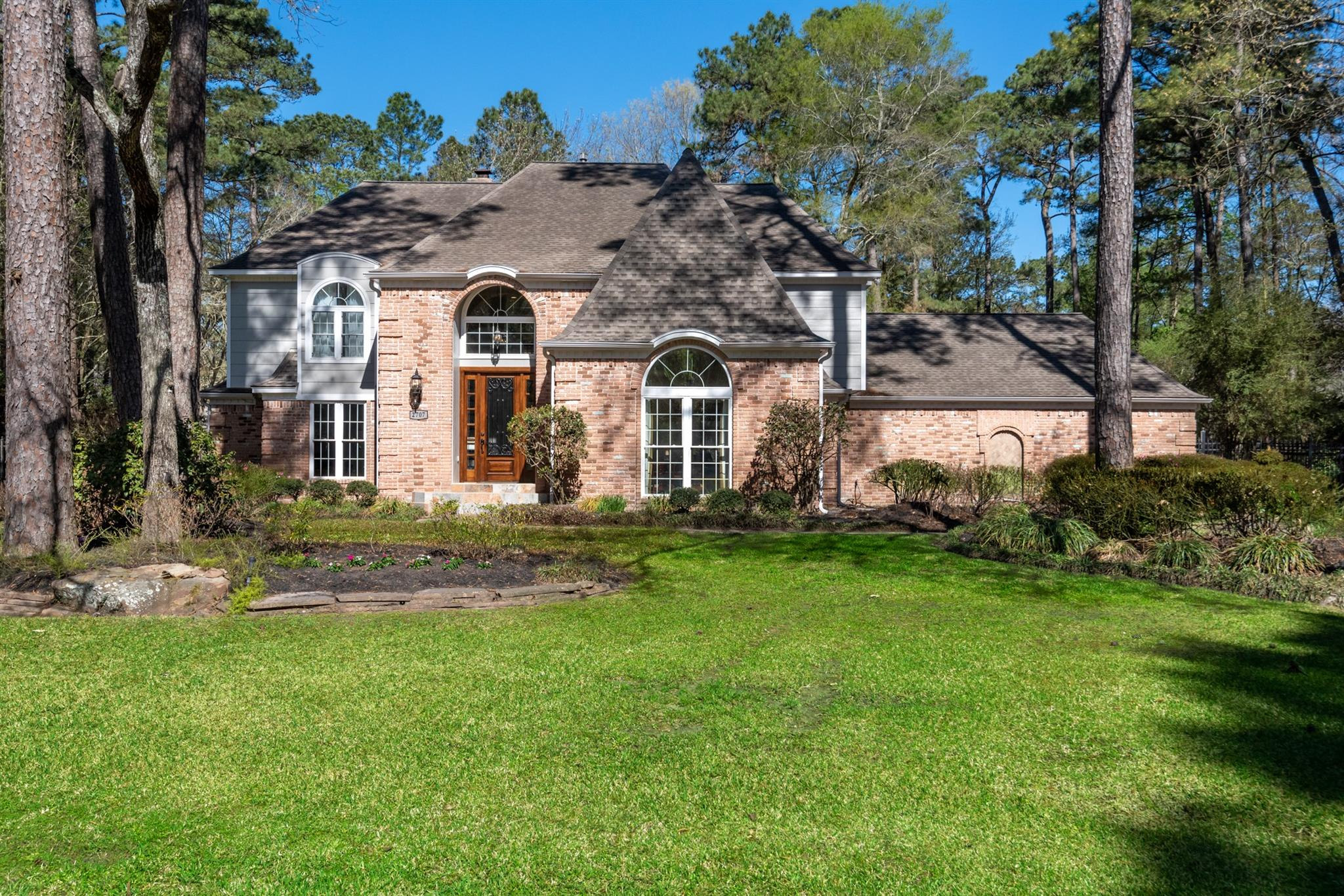 2707 Rocky Woods Drive Property Photo - Kingwood, TX real estate listing