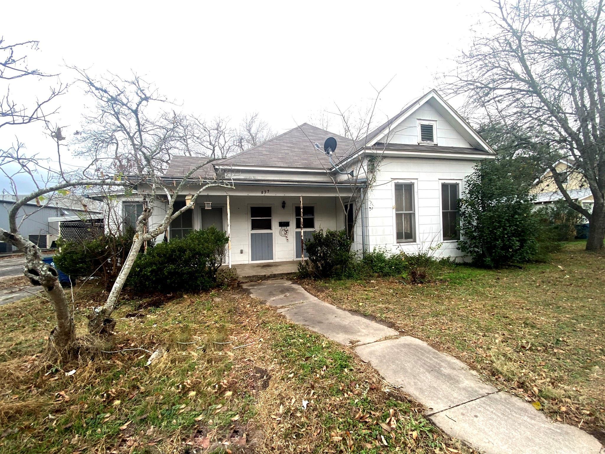 637 N Washington Street Property Photo 1