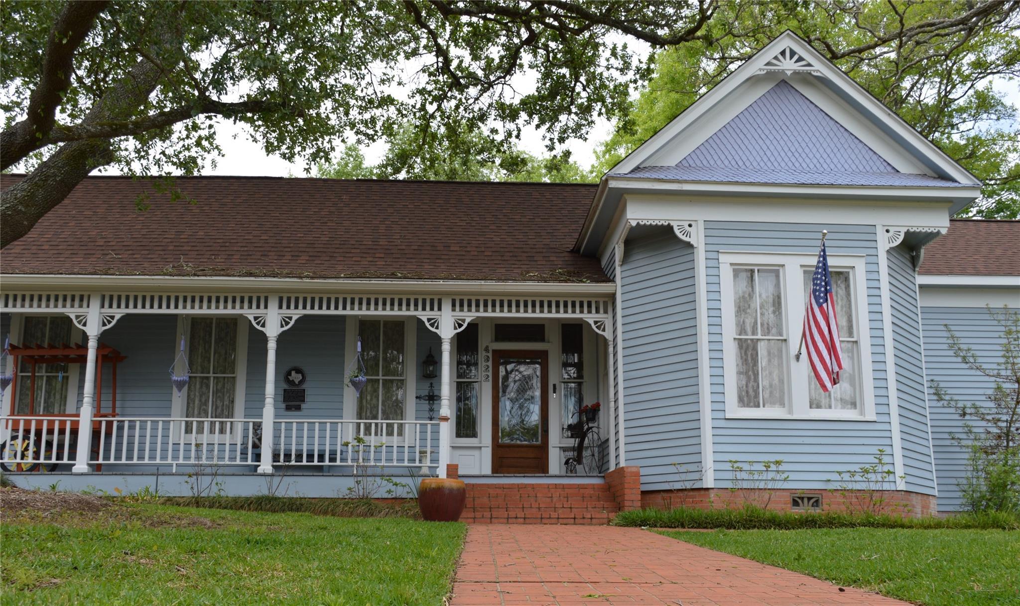 4922 Main Street Property Photo 1