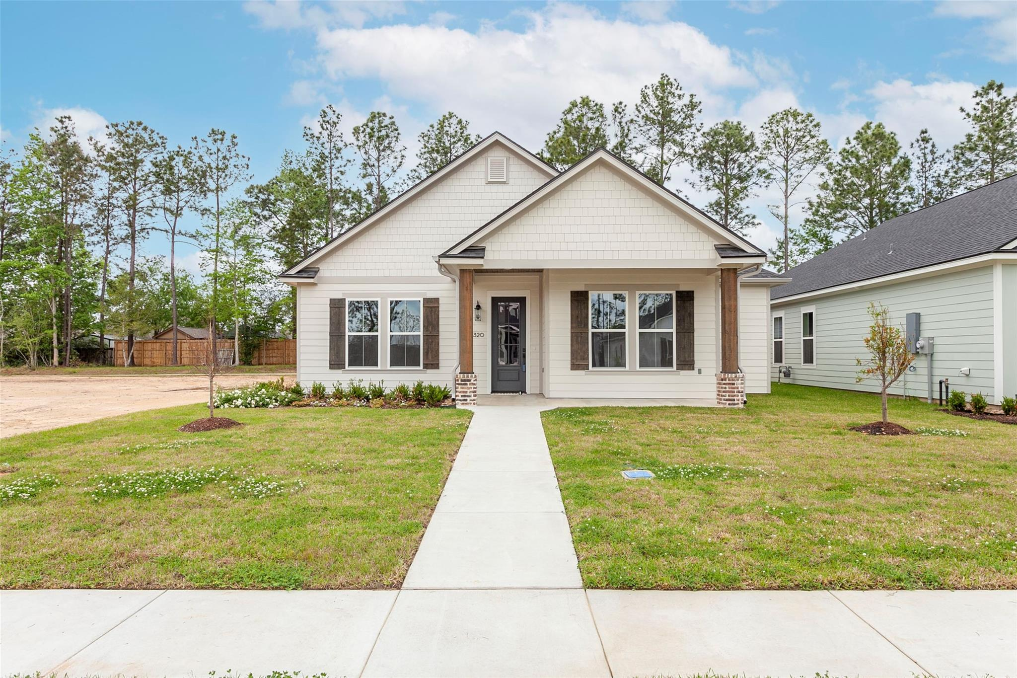 6320 Pine Ridge Lane Property Photo