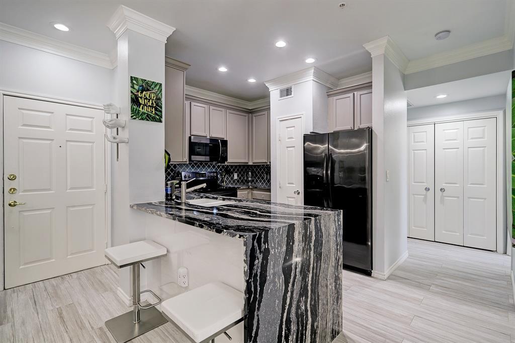2400 Mccue Road #338 Property Photo - Houston, TX real estate listing