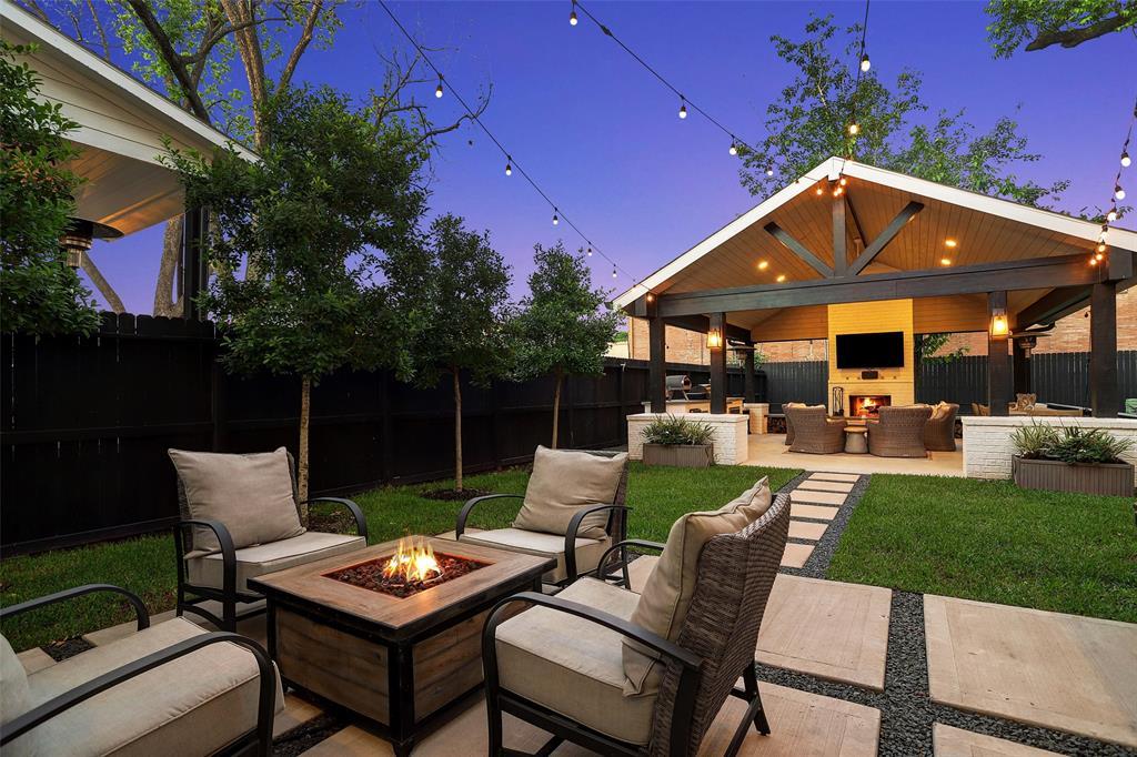 2812 Old Pecan Grove Lane Property Photo - Houston, TX real estate listing