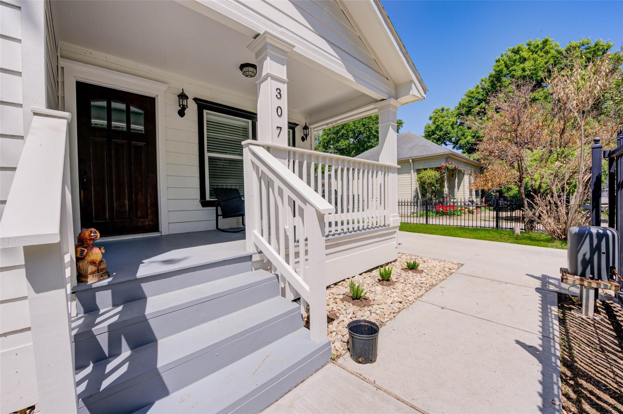 307 Northwood Street Property Photo 1