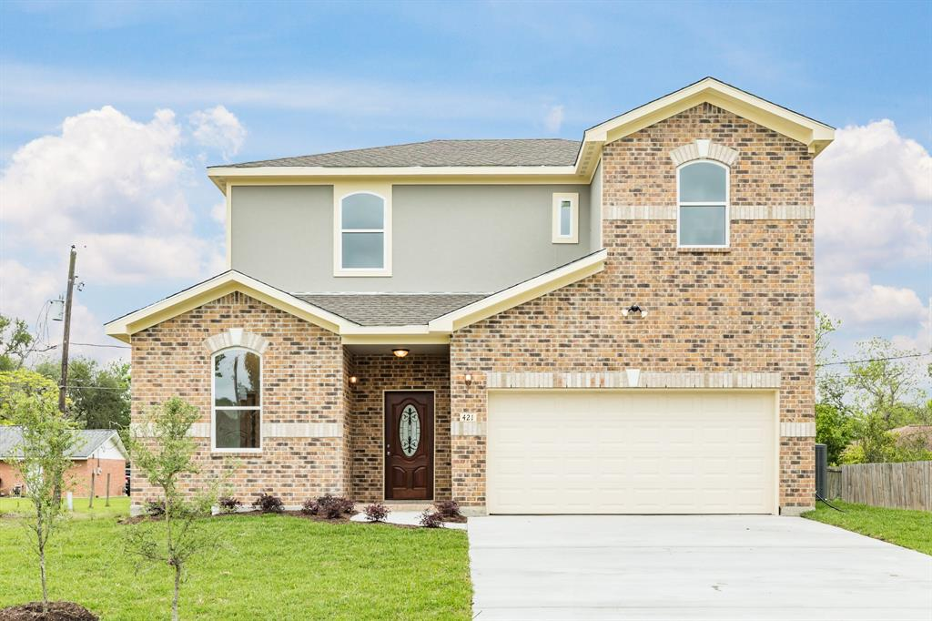 421 Magnolia Lane Property Photo - Richwood, TX real estate listing