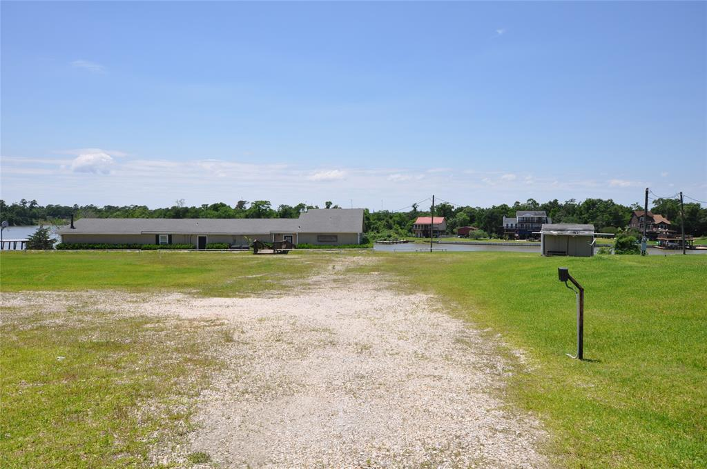 300 W Canal Road Property Photo - Highlands, TX real estate listing