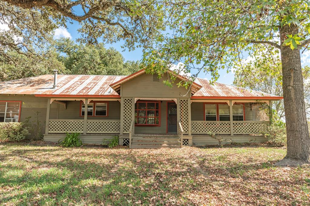 1042 Jennifer Lane, Columbus, TX 78934 - Columbus, TX real estate listing