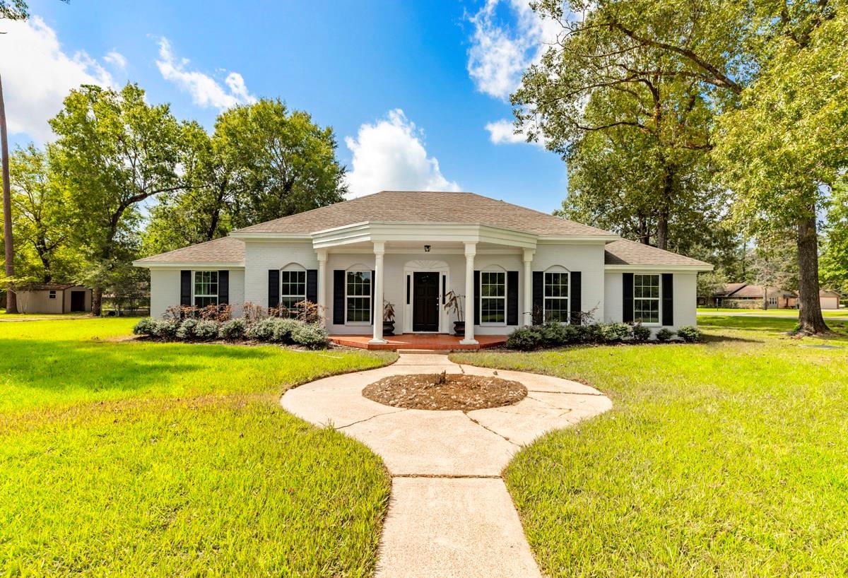 467 Pine Shadows Drive Property Photo - Sour Lake, TX real estate listing