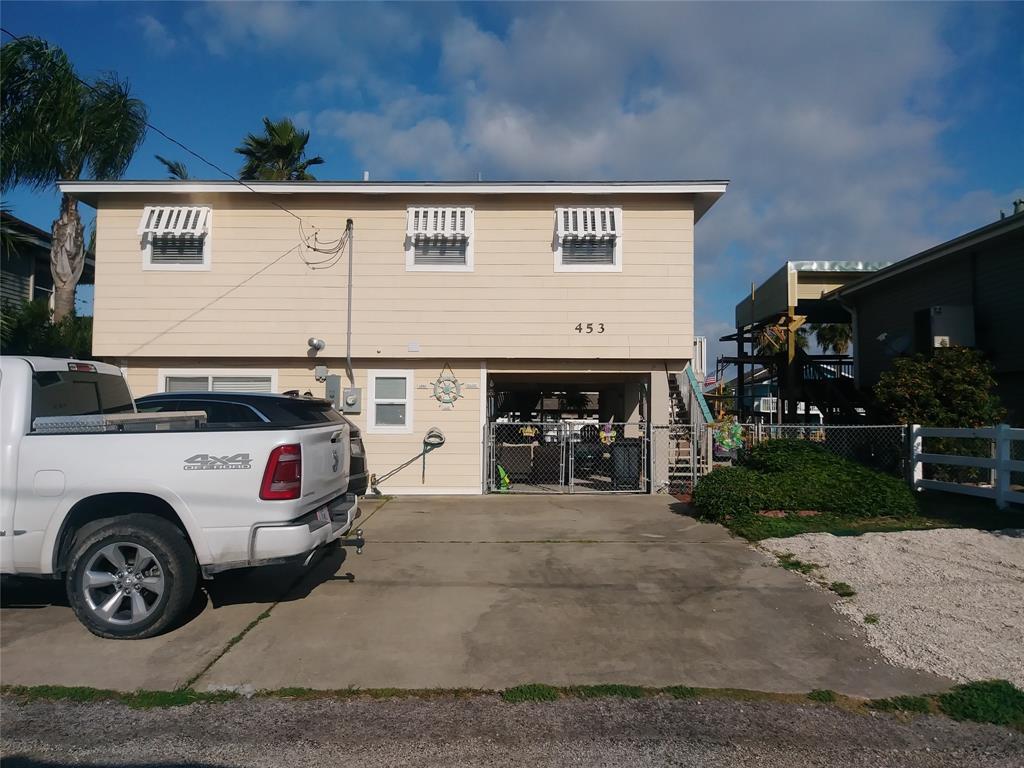 453 Pompano Street Property Photo - Bayou Vista, TX real estate listing