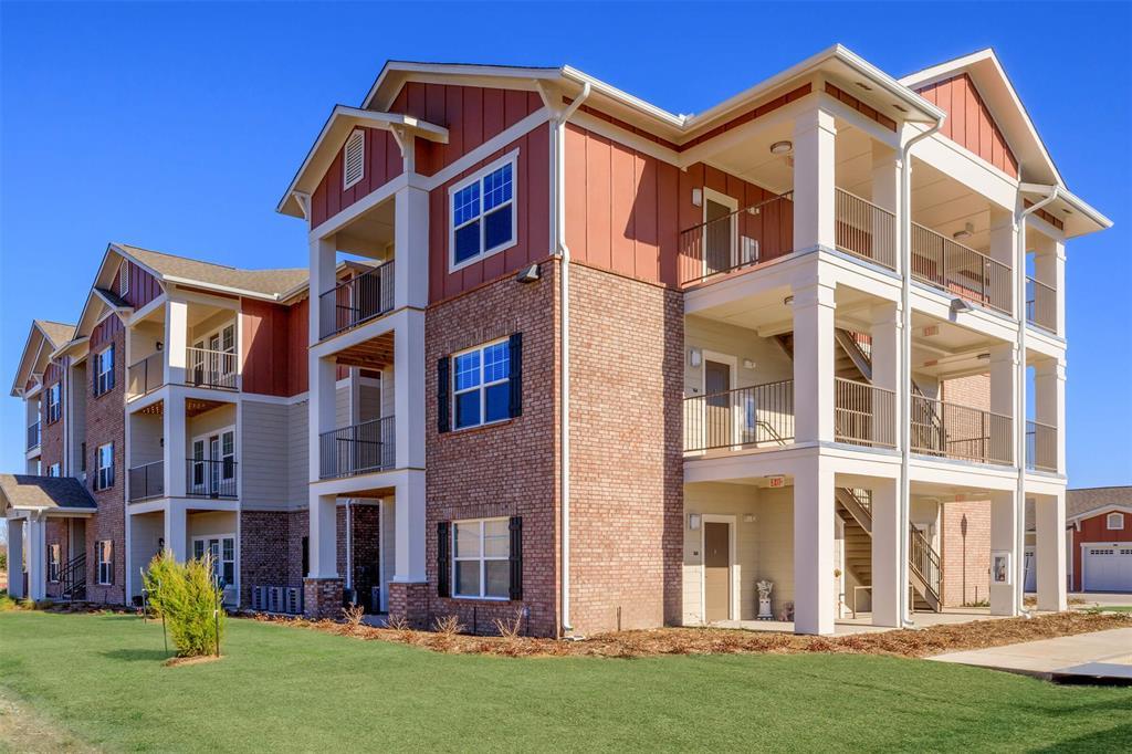 285 E Echols Lane Property Photo - Whitewright, TX real estate listing