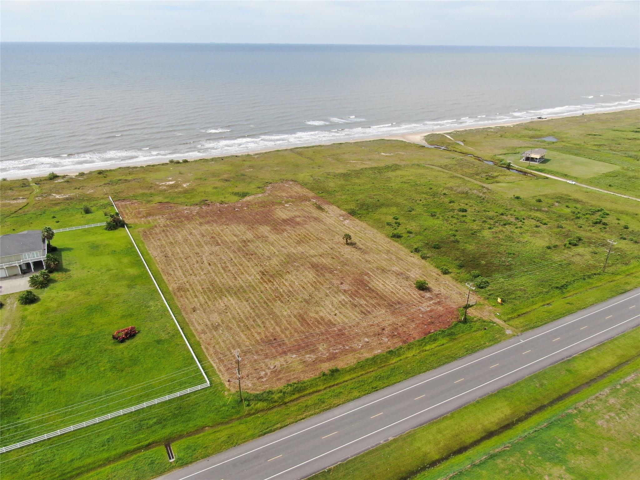 948 Steinhagen Drive Property Photo - Gilchrist, TX real estate listing