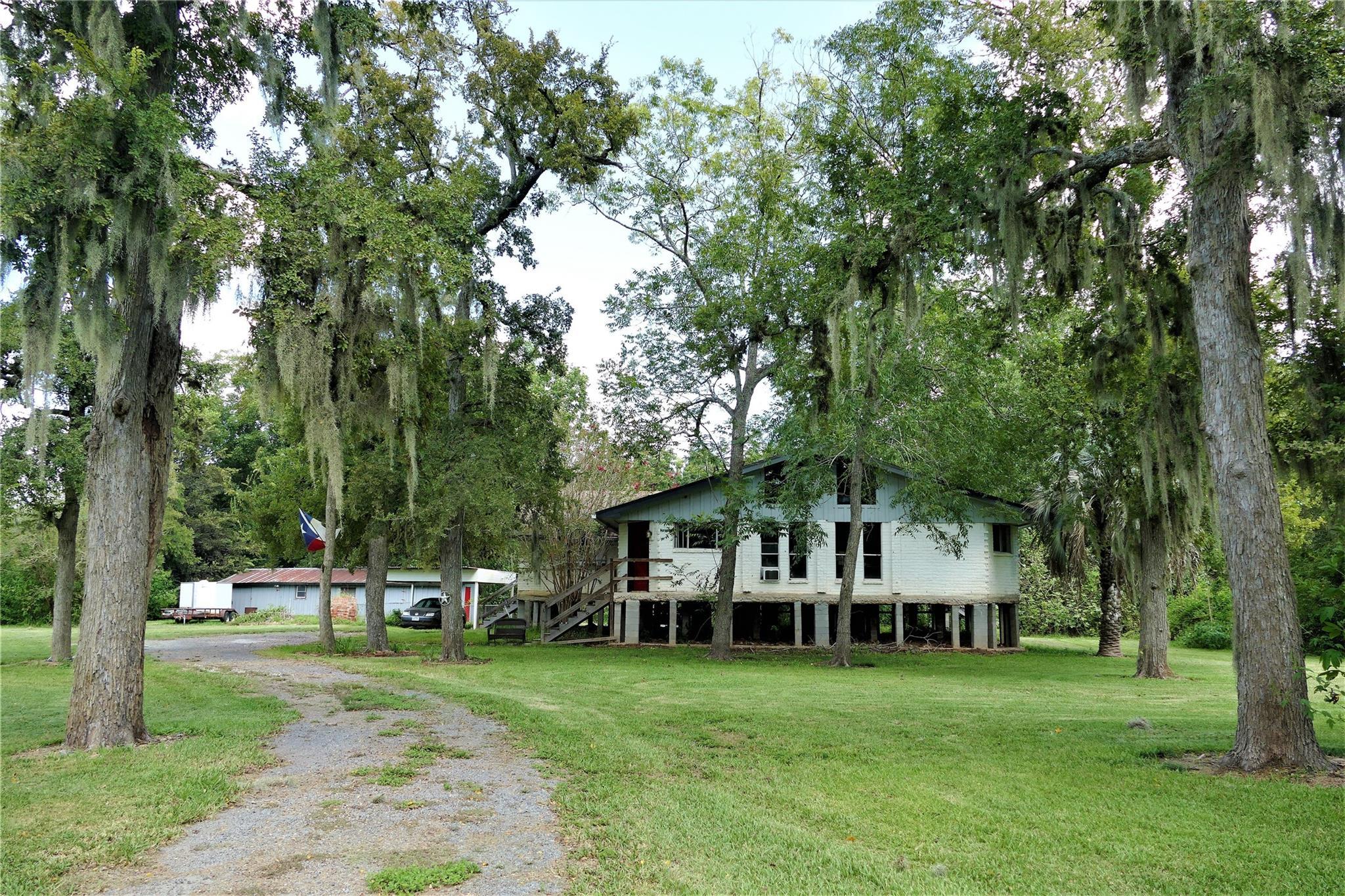 38320 Buckskin Road Property Photo - Simonton, TX real estate listing