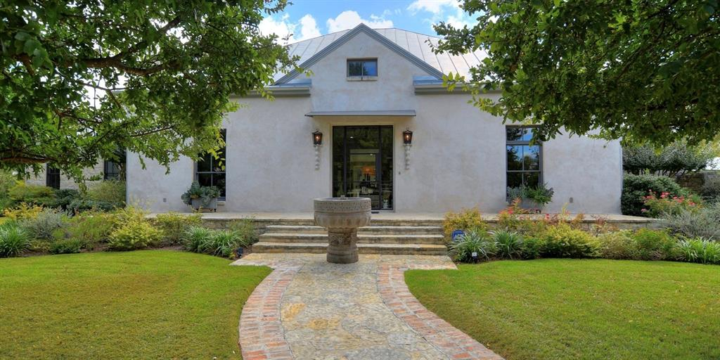 605 N Washington Street Property Photo - Fredericksburg, TX real estate listing